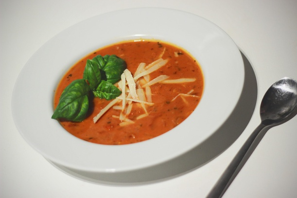 What's for dinner? Fast and easy tomato soup